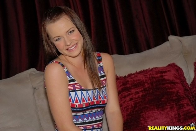 alexistyler 004 631x422 Alexis Tyler   First Time Auditions (Layin The Pipe)